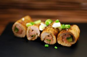 hoisin beef and spring onion rolls by aperture24