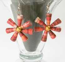 Flower drops - Paper beads by secrets-of-the-pen