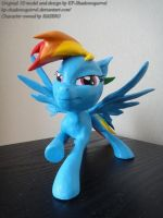 Rainbow Dash figure by alitar
