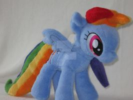 Rainbow Dash plushie by Irontree1973