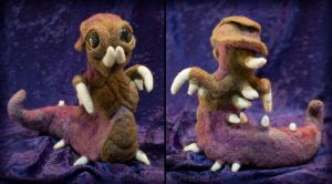 Needle-felted Hydralisk by crocodiledreams