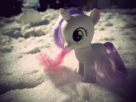 sweetie snow. by ShortAxel