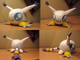 Gatomon Plushie by Astropteryx