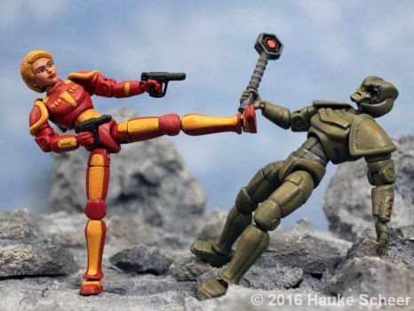 3D printed Space Heroine vs Android by hauke3000