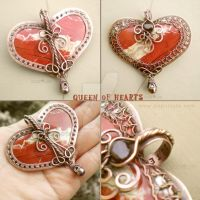 Queen of Hearts Pendant by popnicute