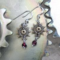 Star-gear Earrings with Garnet by clockwork-zero