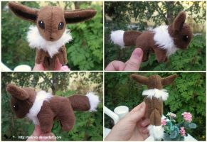 Small Eevee plush by Tedimo