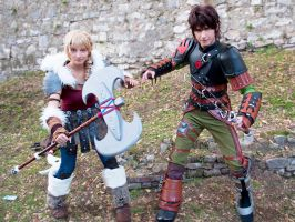 Hiccup and Astrid COSPLAY - Fight! by AlexanDrake89