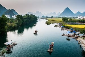 Li River, visitors by alierturk