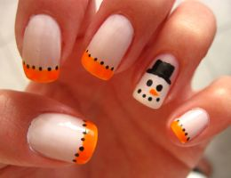 Frosty Nails by PetiteTangerine