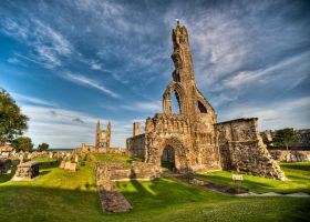 Ruins of St. Andrews cathedral by Yupa