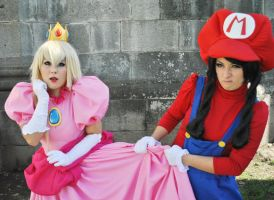 Peach and Mario by RaquelQuiros
