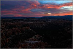 Sunrise at Bryce by yuvi2