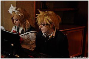 Spice: Playing Piano by CosplayerWithCamera