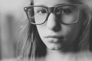 Through the glasses by yelen