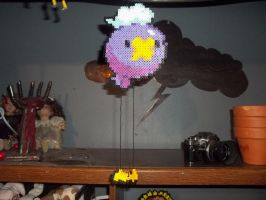 Drifloon perler 2 - Hanging by Libbyseay