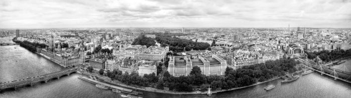 London HDR Panorama BW by MrArtsy