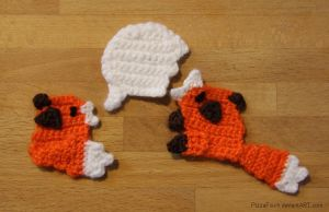 Crochet Foxes and Speech Bubble by PizzaFisch