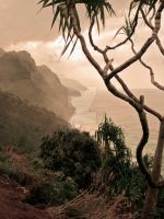 Na Pali coastline by PiecesofSunlight