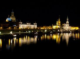 Dresden at night by mjagiellicz