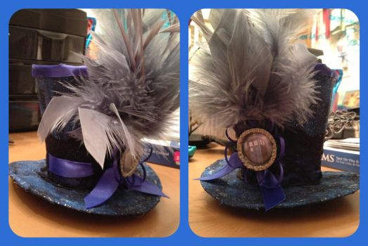 Tardis Doctor Who inspired mini top hat by magpie89