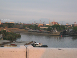 Pasig River by elindr