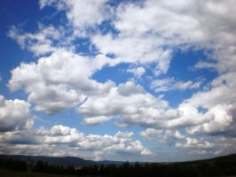 Clouds by tinuvielluthien