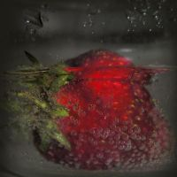 strawberry by Jasmina-S