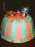 Littlest Pet Shop Cake by RabidBallerina