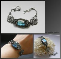 Wire wrapped bracelet by mea00