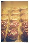 Cupcakes by katielawes