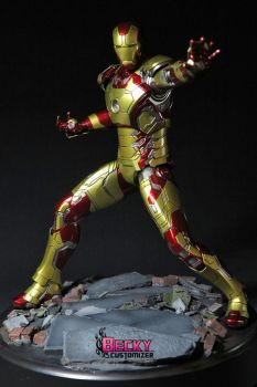 Iron Man mk 42 by Becky-Customizer