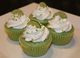 Key Lime Cupcakes by Deathbypuddle