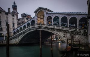 Just another photo of Rialto's bridge by Runfox