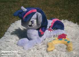 Shoulder-Pony Twilight Sparkle by HipsterOwlet