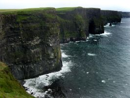 Irish Cliffs by jantrojan