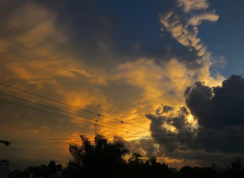 Wolken by Thexth