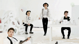 [GIF] SHINee - Why So Serious MV by imawesomeee03