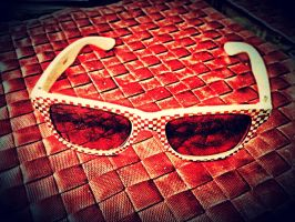 Sun Glasses in Red by olones