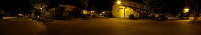 Nacht. Strasse. Panorama. by Ronek