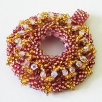 Rose noire beaded donut pendant by Sol89