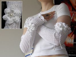 Bridal fingerless gloves by XofHope