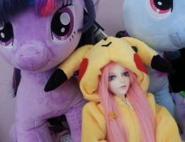 hanging with my bronies.. :-) by Rasberry-Jam-Heaven