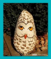 owl painted on the stone by MrsEfi