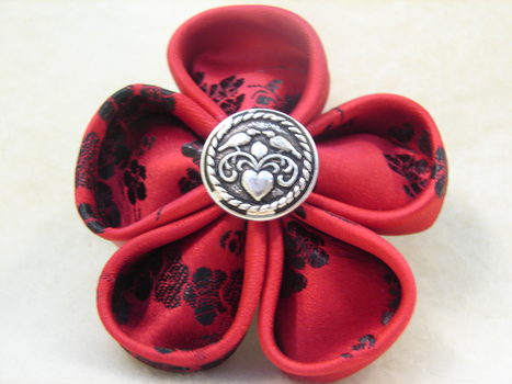 Red and BlackTsumami Kanzashi by PastryStitches