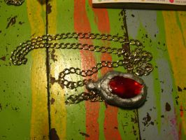 Dante's amulet finish by Die-Rose
