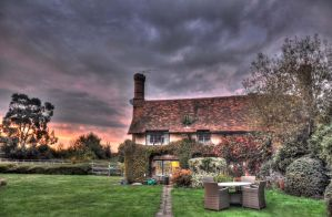 My little cottage HDR by Lianne-Issa