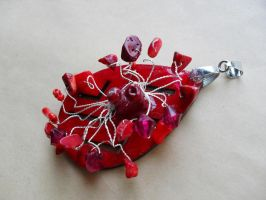Braided red wood pendant by edelweiss-workshop