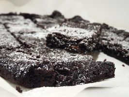 Brownie with Goji's berries by kivrin82
