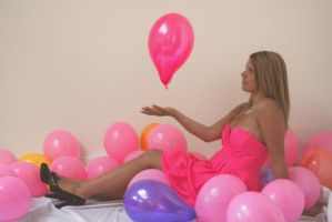 pink balloon. by olainturrupted